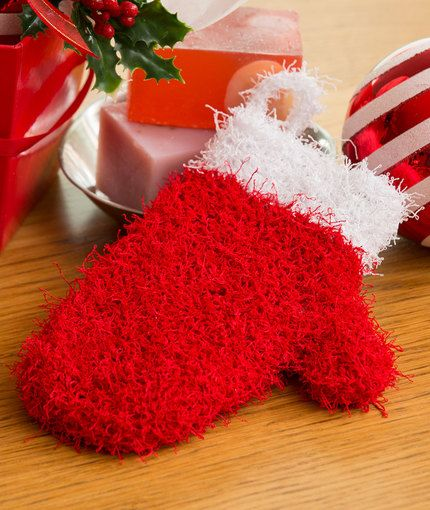 Holiday Mitten Scrubby Free Knitting Pattern in Red Heart Scrubby ...