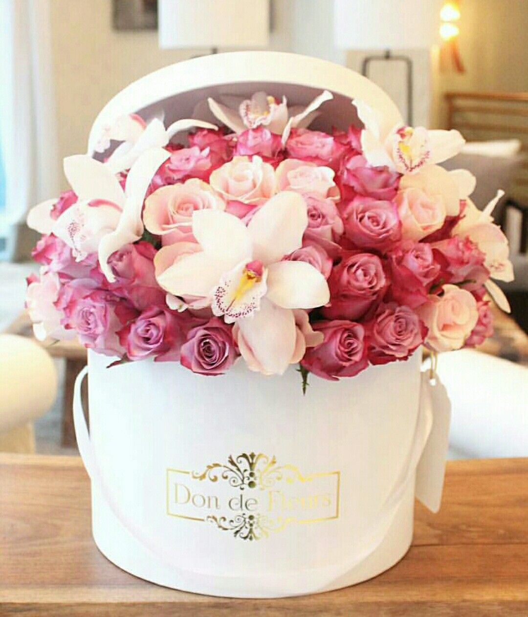 FLOWER BOX 1 by Liza Dinata Luxury flower arrangement