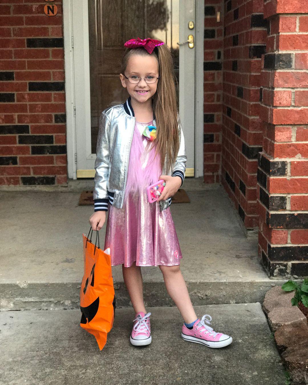 diy jojo siwa costume   2018 diy halloween costume ideas   halloween