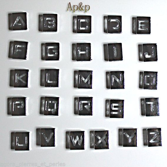 1 PERLE METAL - ARGENTE BRILLANT - LETTRE ALPHABET base CARREE DESIGN - 8/10 mm
