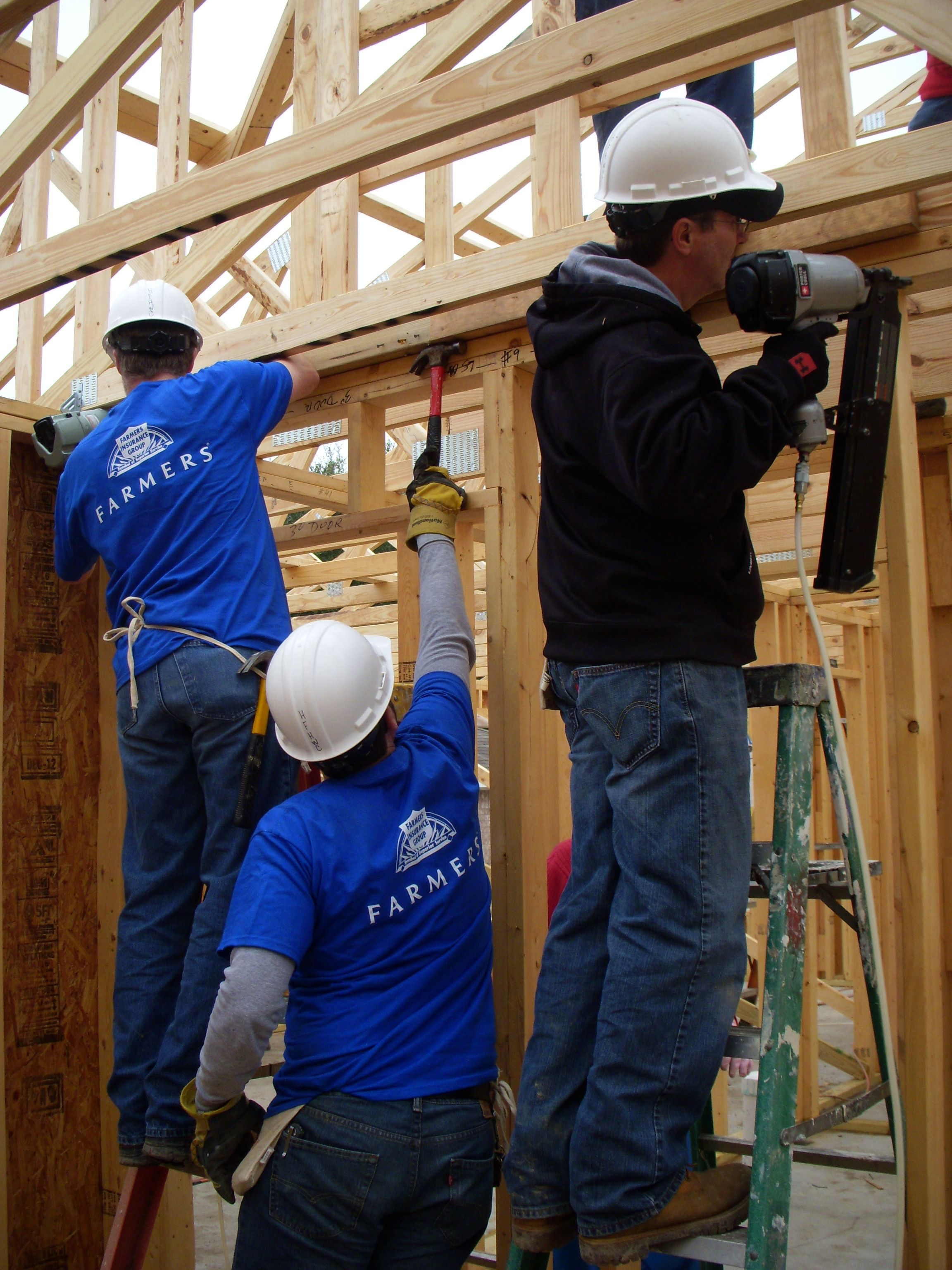 Farmers Insurance volunteers, because we are more than
