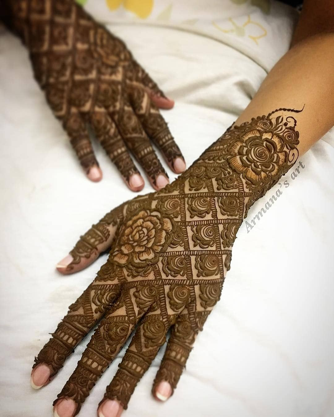 Karwa chauth mehndi designs photos  inspirations latest for armana  art also bridal henna rh pinterest