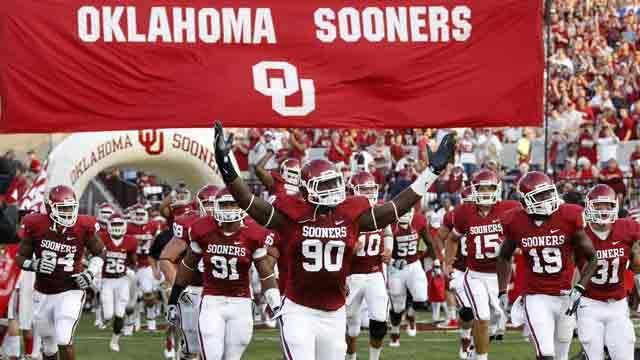 Pin By Ashley Anderson On 3 Football Oklahoma Sooners Football