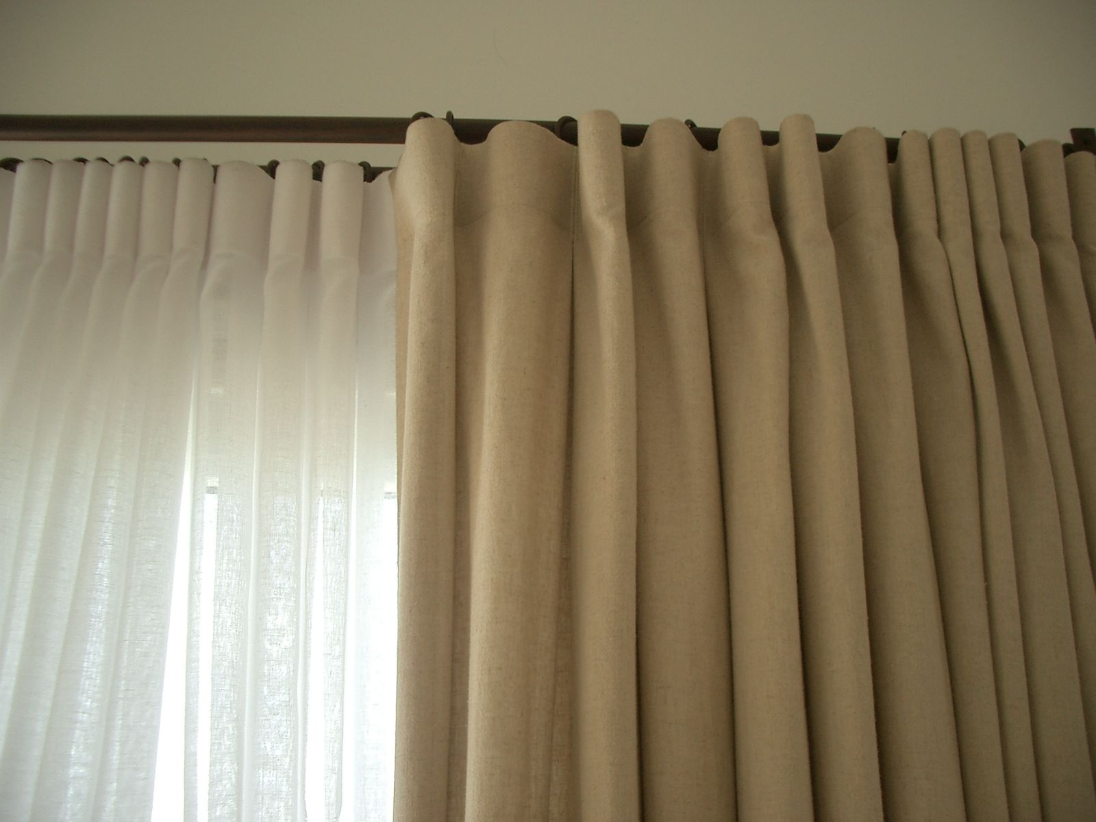 cortina de lino y gasa simil lino Romina guerrero