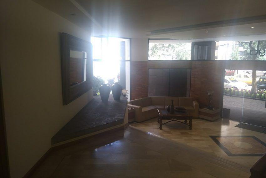 En Gonzalez Suarez Exclusivo Sector Residencial En 2020 Nuevo Hogar Sala Con Chimenea Dormitorios
