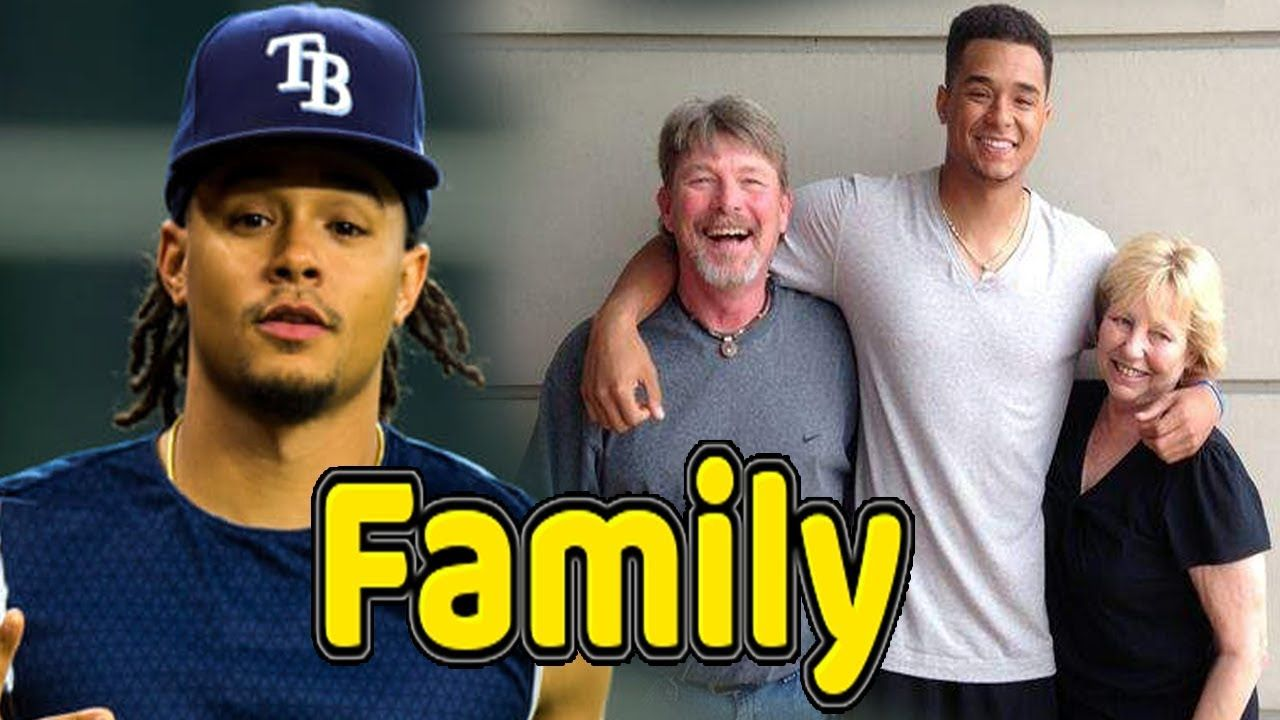 Chris Archer Family Photos With Father Mother And Girlfriend 2018 Famous Sports Sports Gallery Sport Player