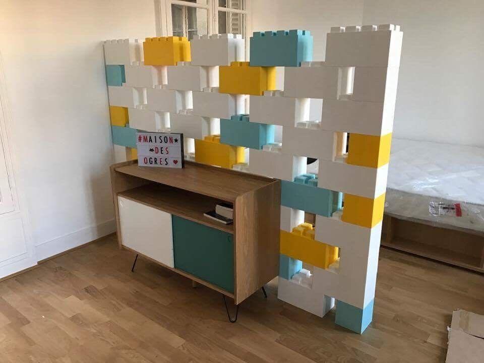 notre mur de lego g ant pour le salon lego geant cloisons et lego. Black Bedroom Furniture Sets. Home Design Ideas