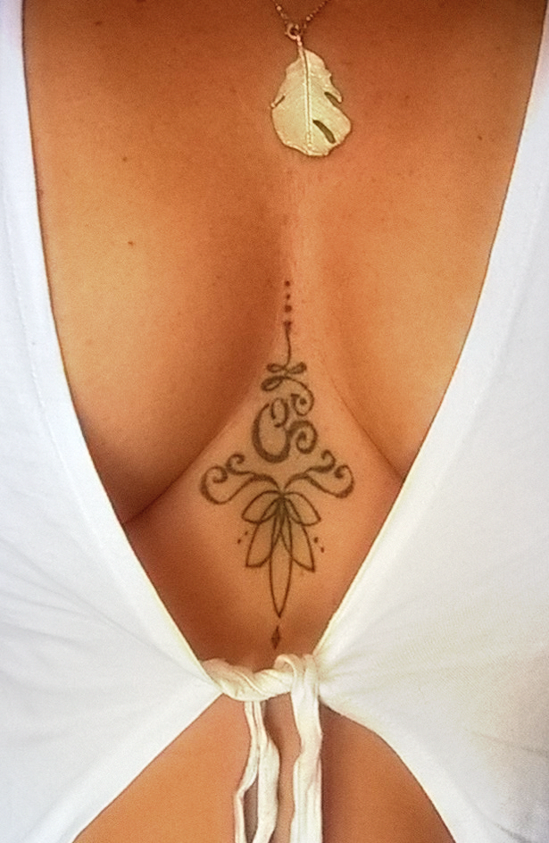 20 of the Best Sternum Tattoos Out There for Women – My hair and beauty