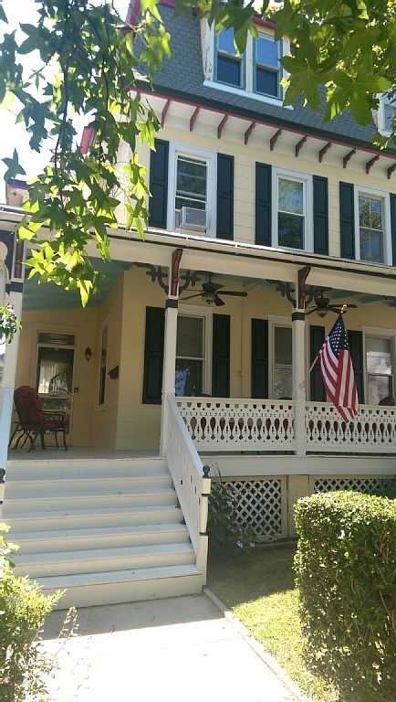 Stupendous House Vacation Rental In Historic District Cape May Nj Download Free Architecture Designs Intelgarnamadebymaigaardcom