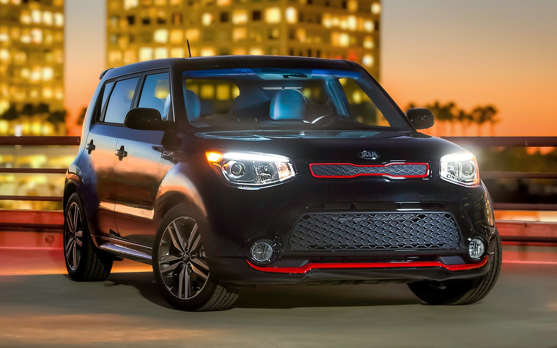Black Kia Soul With Red Trim And Sunroof 2015 Photo Gallery