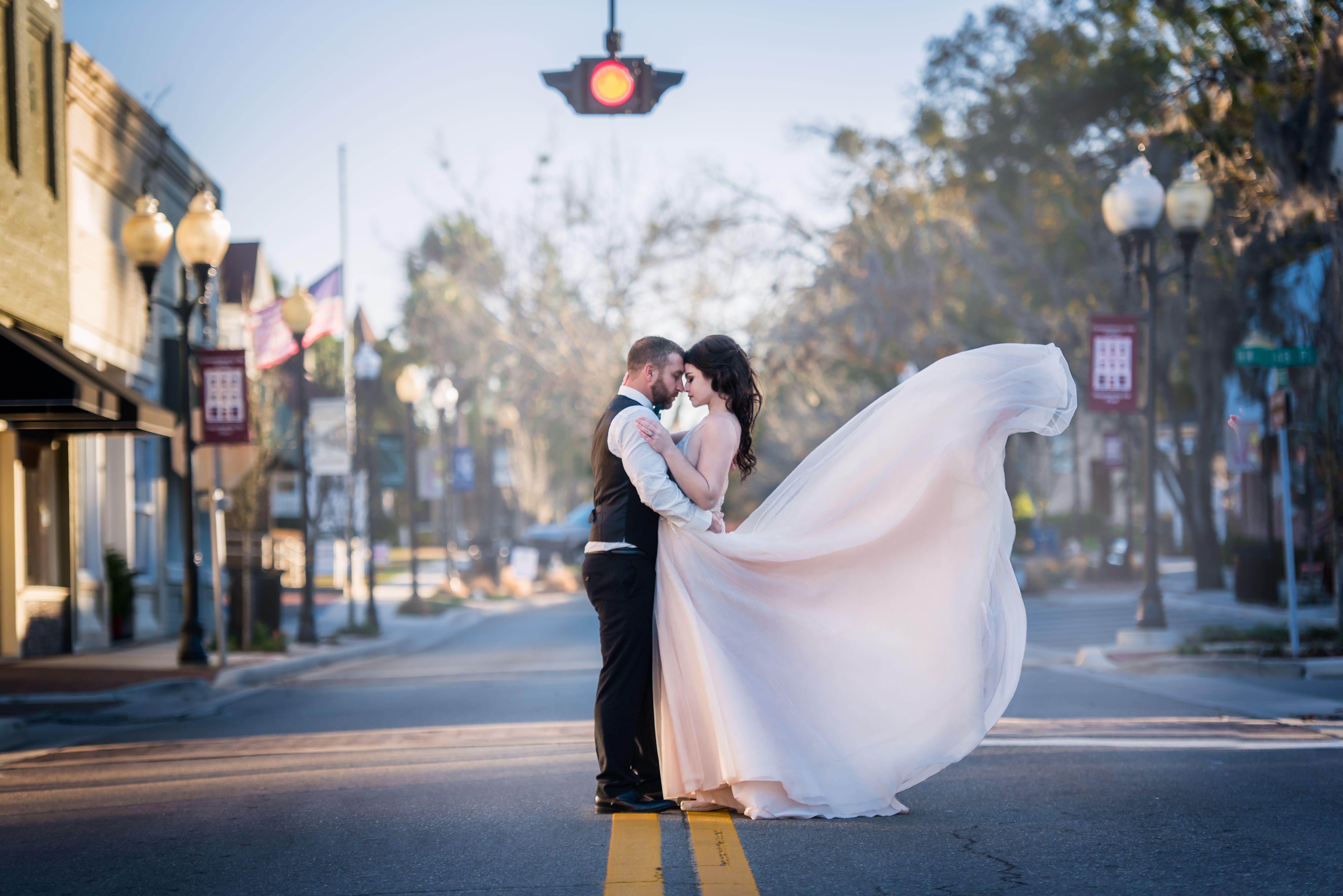 Wedding Dress Gown Toss Alachua Fl Wedding Ceremony Bride