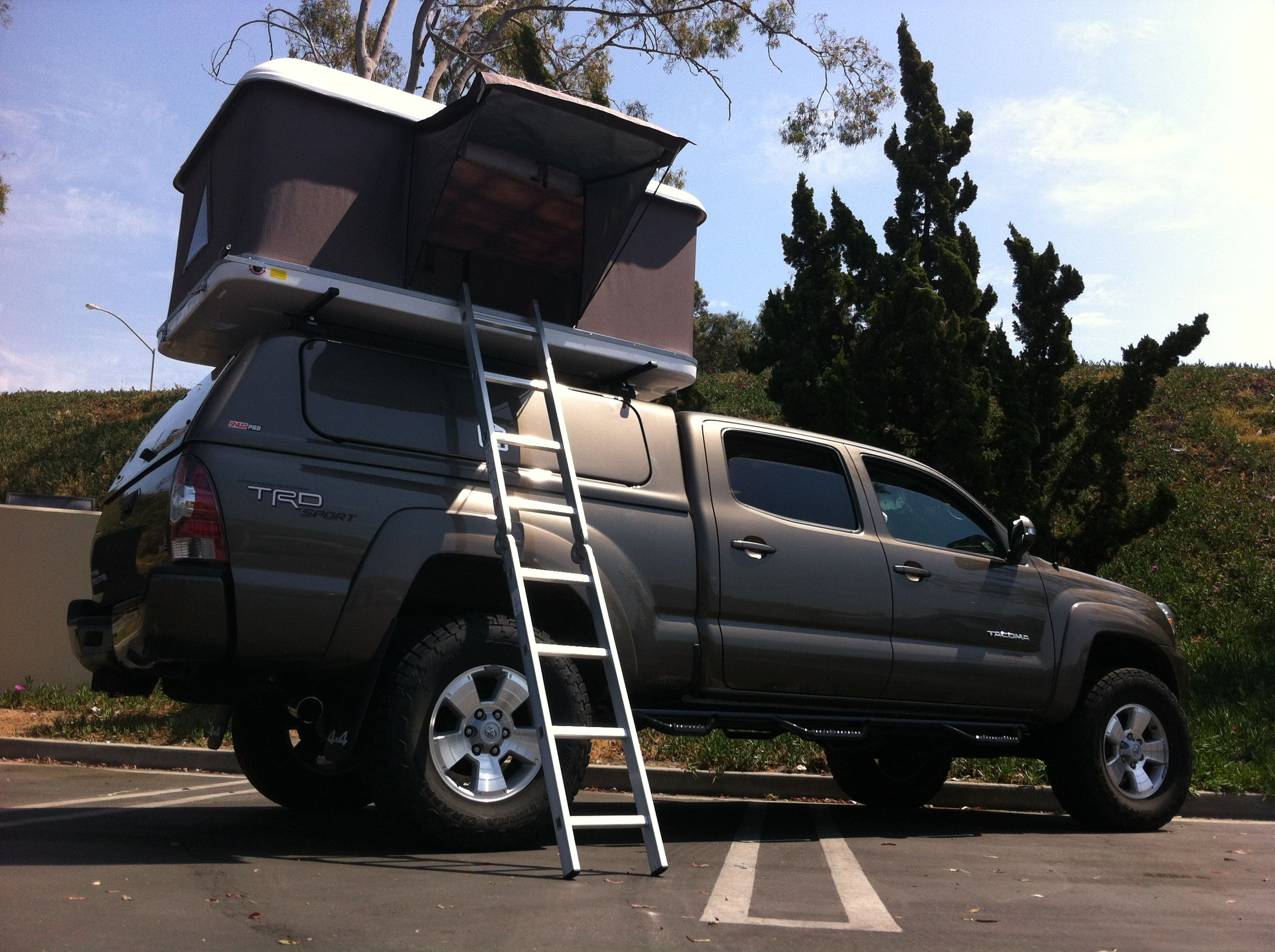Roof Top Tent On A Tacoma Roof Top Tent Roof Rack Tent Top Tents