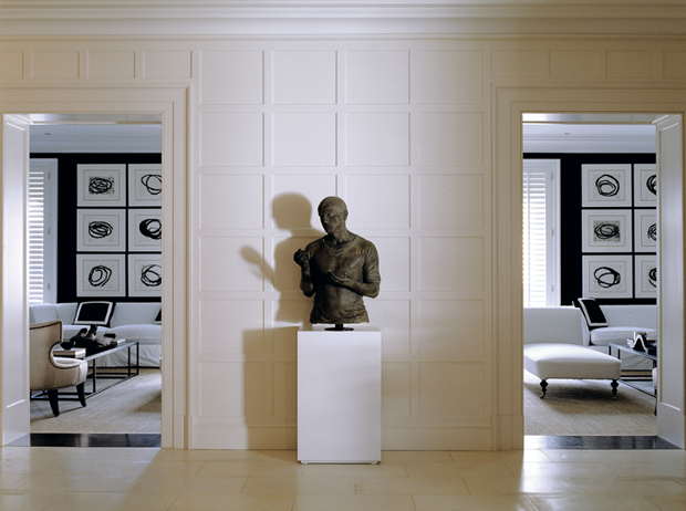Luis Bustamante- love the art in the background | INTERIORS: Home ...