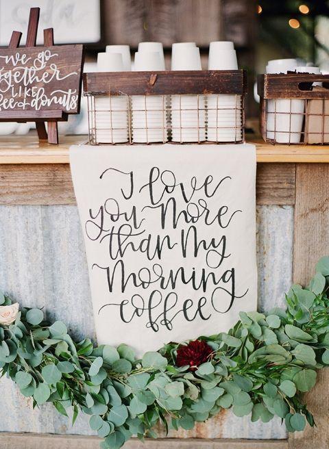 Kraftpapier und Grün Dekor für eine Kaffee-Bar - #Dekor #Eine #für #Grün #KaffeeBar #Kraftpapier #und #coffeebarideas