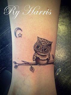 2773491b2f69d Classic Black Ink Small Owl Tattoo Design For Leg | tatuaje | Owl ...