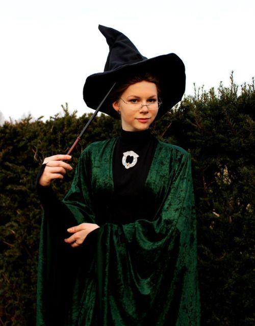 Professor Mcgonagall Is A Fun Last Minute Halloween Costume Idea For Harry Potter Harry Potter Costume Diy Harry Potter Halloween Costumes Harry Potter Costume