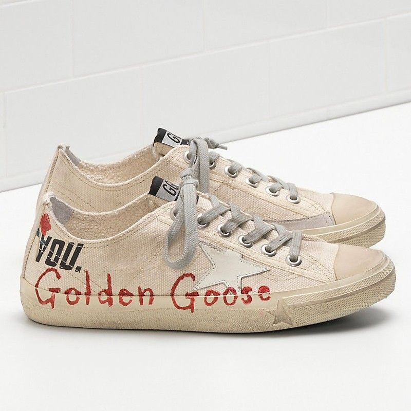 2a248fba9284 Golden Goose V-Star Sneakes Handwritten Detail Star In Leather White Men - Golden  Goose   GGDB  sneakers  shoes  goldengoose  christmas  gifts  superstar