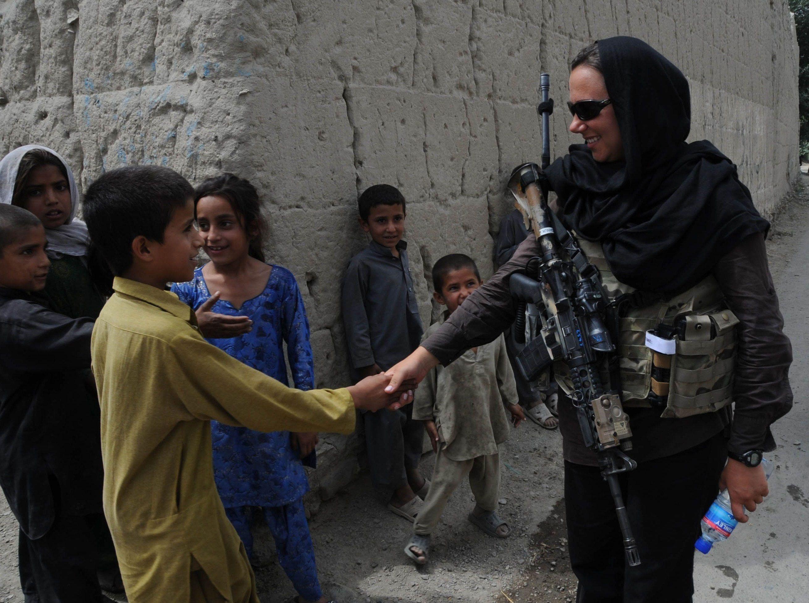 Amerikanische Truppen fucking iraqi Frauen Fotos