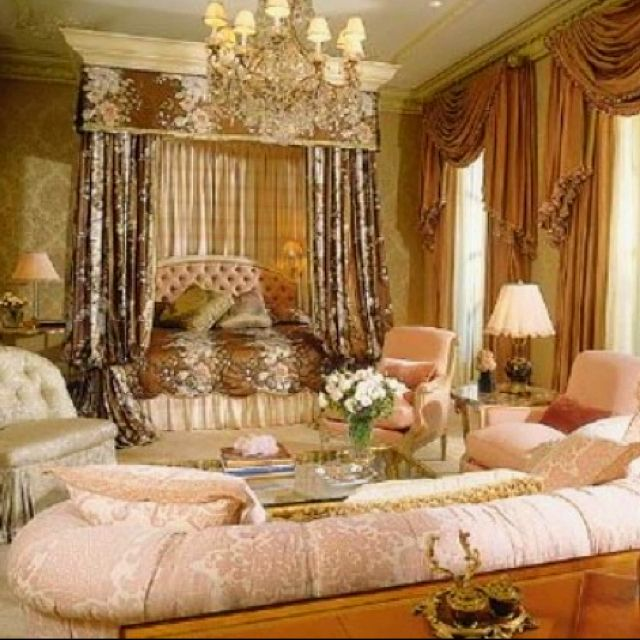 The Royal Bedroom :) Colors Are Gorgeous. B.
