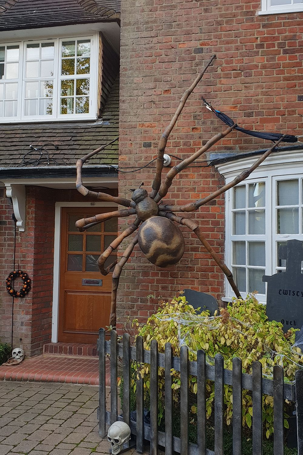 Halloween House Dressing To Complement Jonathan Ross Party Halloween Outdoor Decorations Halloween Spider Decorations Halloween House