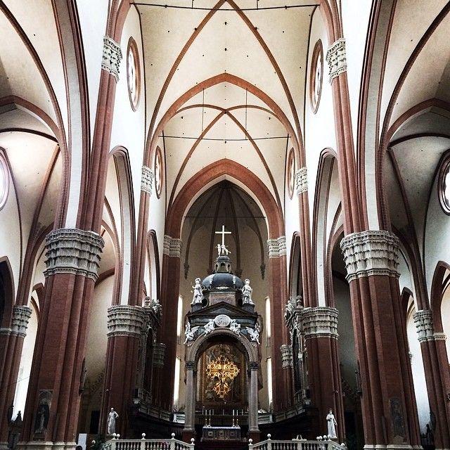 @Silvia Del Barrio Gorines Buongiorno a tutti, oggi vi portiamo a fare un giretto all'interno della Basilica di San Petronio! #mybologna #twiperbole