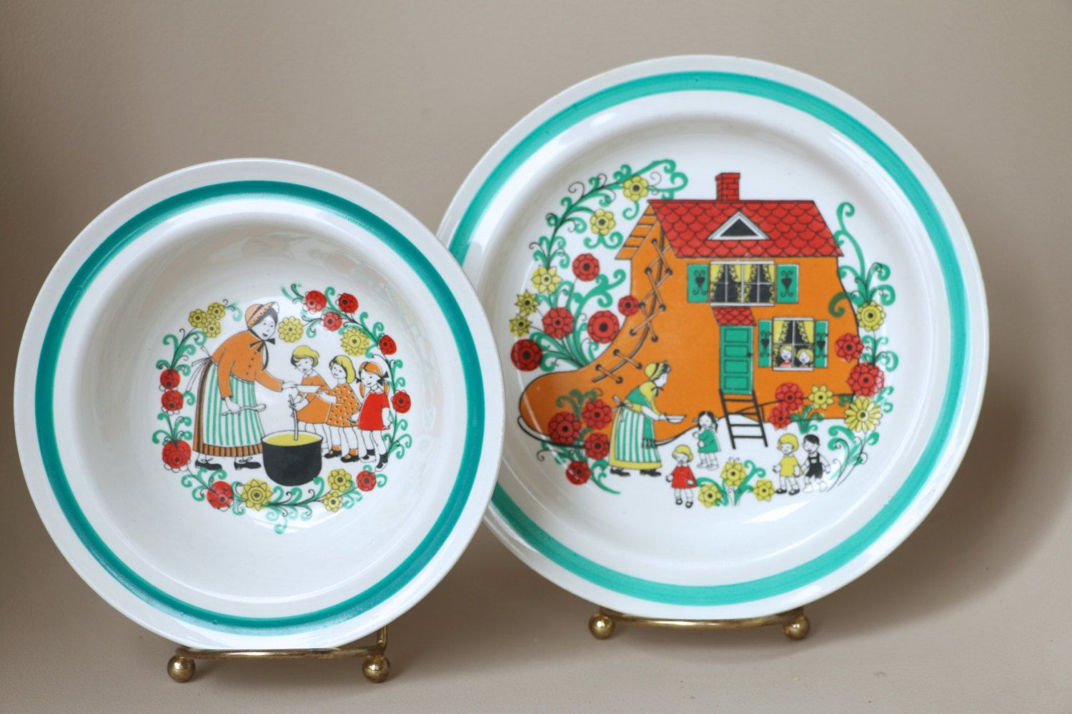 Arabia Finland Children S Plate And Bowl Set Old Woman In The Shoe 1960 S Dinnerware Mid Century Children S Dishes B Plates And Bowls Childrens Dishes Plates