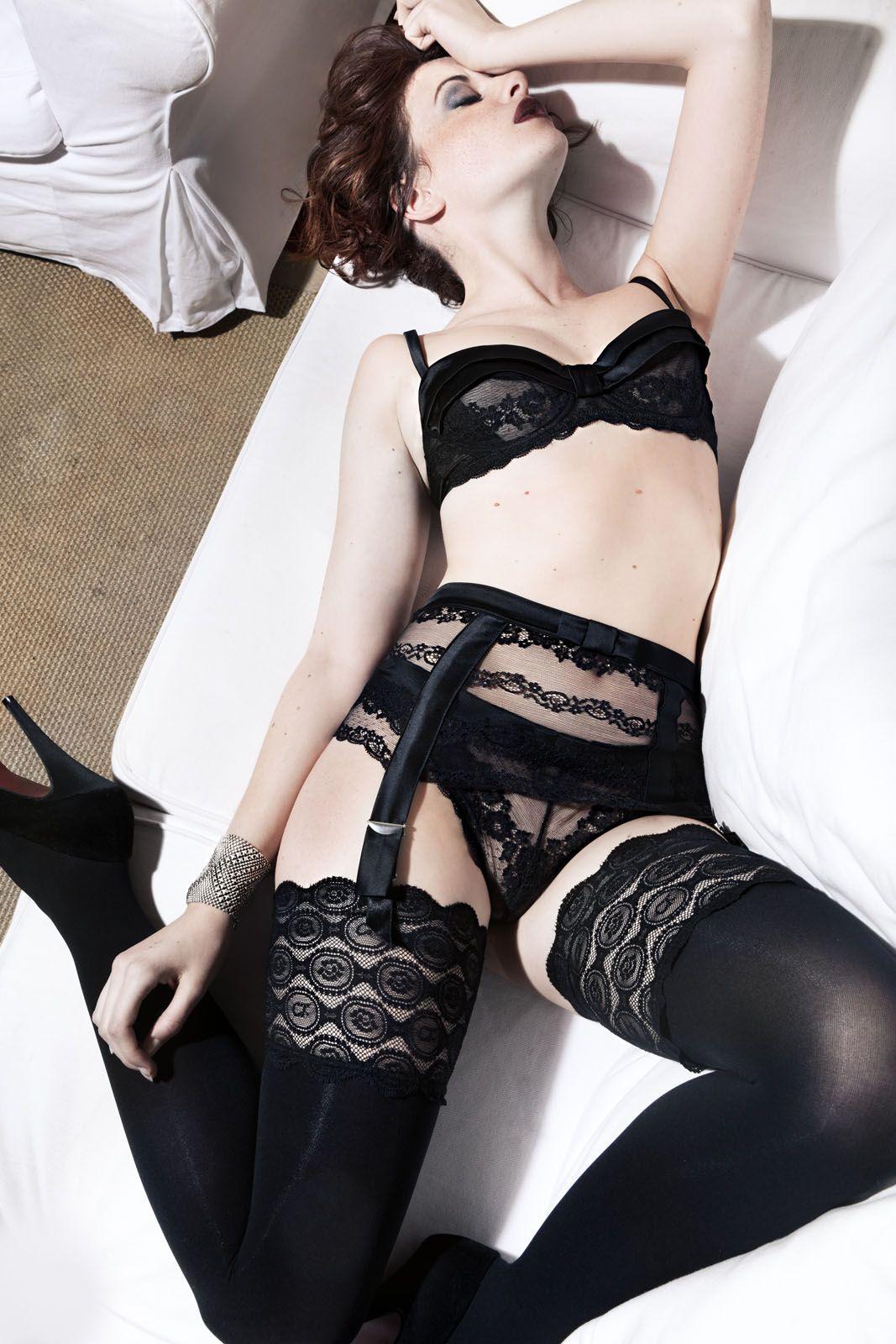 0da8fc71ecb6 lingerie boudoir   Lenceria negra   Lencería de encaje, Ropa y Lenceria