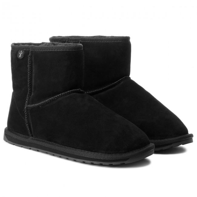 Pin By Aga On Buty I Torebki Bearpaw Boots Black Boots