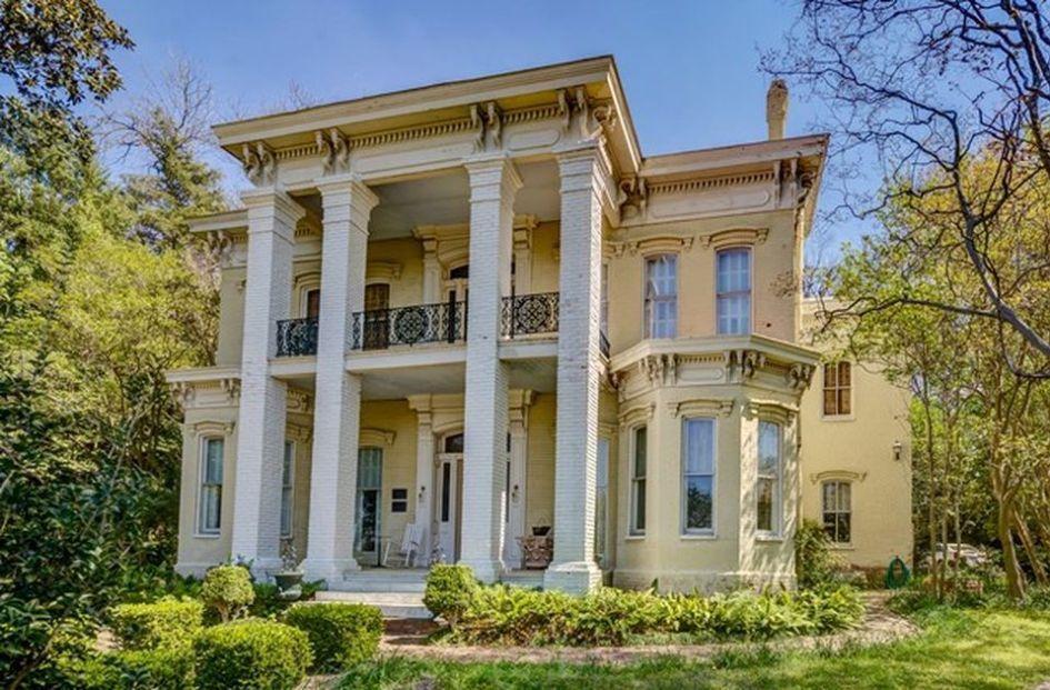 1877 Floweree Italianate Mansion In Vicksburg Mississippi Mansions Old Houses For Sale Old Houses
