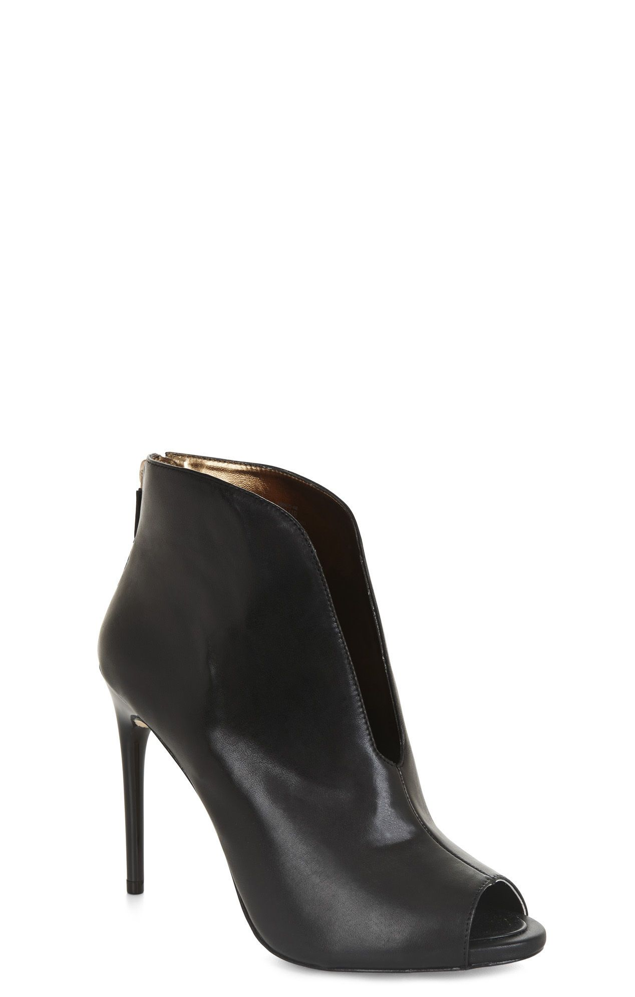 efafefe07efd BCBG Slit-front heels
