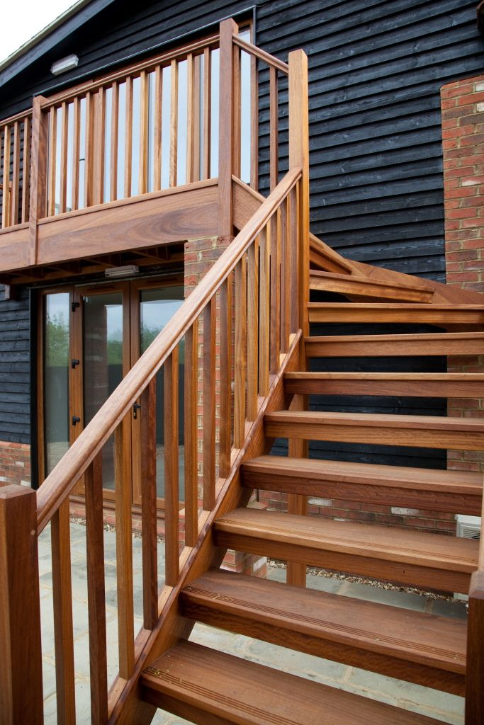 Best Lovely Set Of Outside Stairs Outside Stairs Exterior 400 x 300