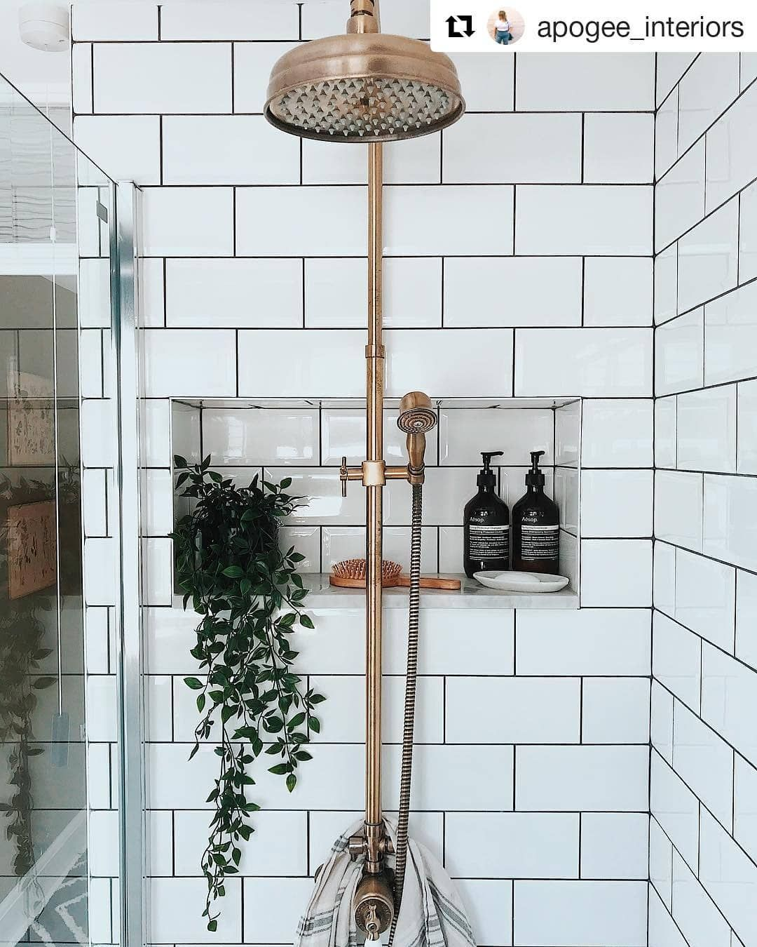 ✅20+ Best Small Bathroom Ideas - Minimalist, On Budget, and GOAT