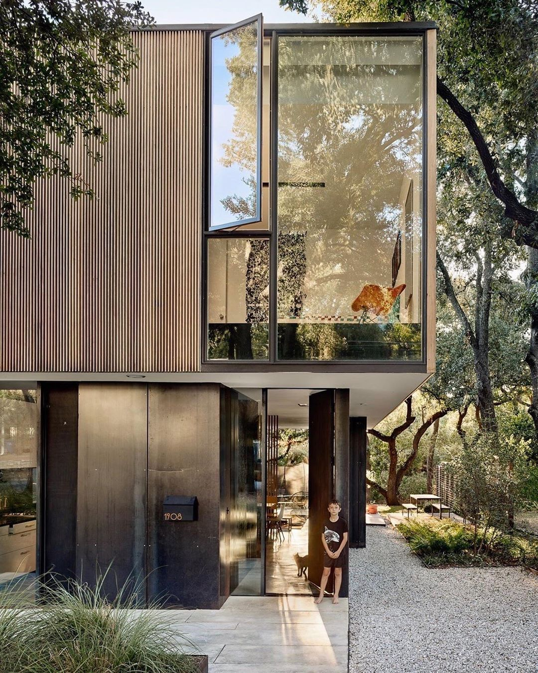 Dwell S Instagram Profile Post This Is The Cheapest House Either Of Our Offices Have Ever Worked On Say Hom In 2020 Austin Homes Architecture Exterior West Campus