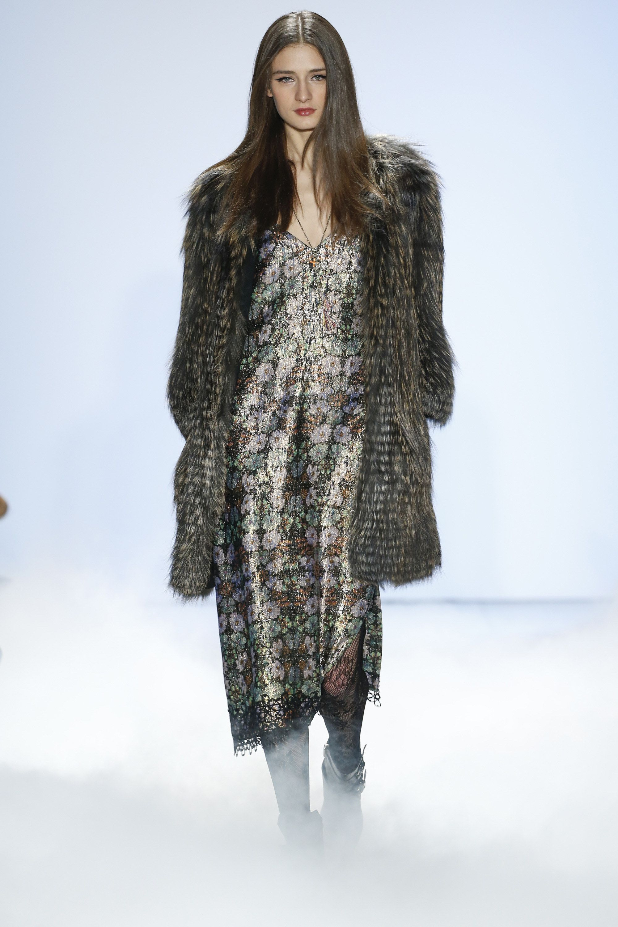Nicole Miller Fall 2016 Ready-to-Wear Fashion Show