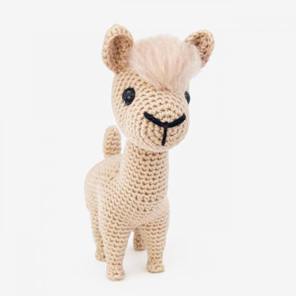 Lola The Alpaca Amigurumi Pattern | pelucheee
