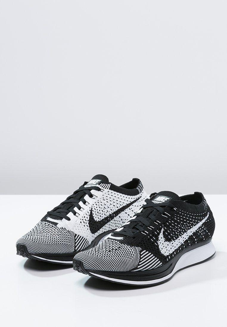 relajarse receta Monet  Nike Performance FLYKNIT RACER - Chaussures de running légères -  black/white - ZALANDO.FR   Vintage nike, Sneakers men, Nike flyknit