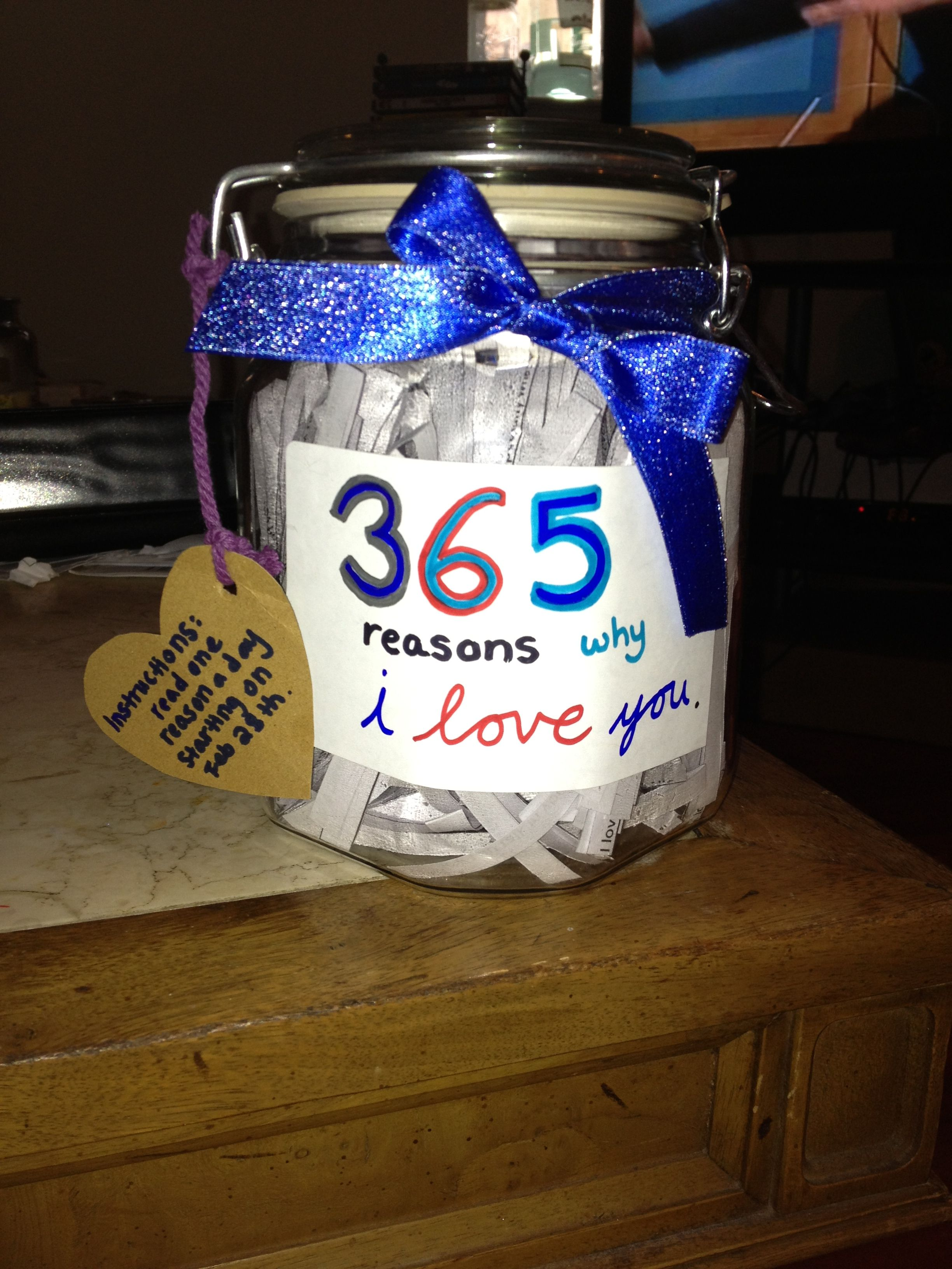 365 Reasons Why I Love You Jar 1 Year Anniversary Gift To My Boyfriend 3 1 Year Anniversary Gifts Year Anniversary Gifts Anniversary Gifts