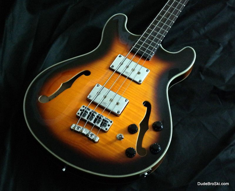 Warwick - Star Bass IV (refurb), Affordable Vintage-Looking Thumper