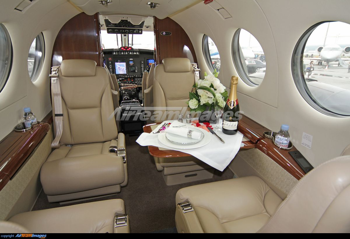 Beechcraft King Air 350i Large Preview AirTeamImages