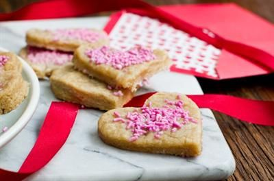A Very Vegan Valentine's Day: 17 Scrumptious Recipes. Valentines Day Hearts Sugar Cookies
