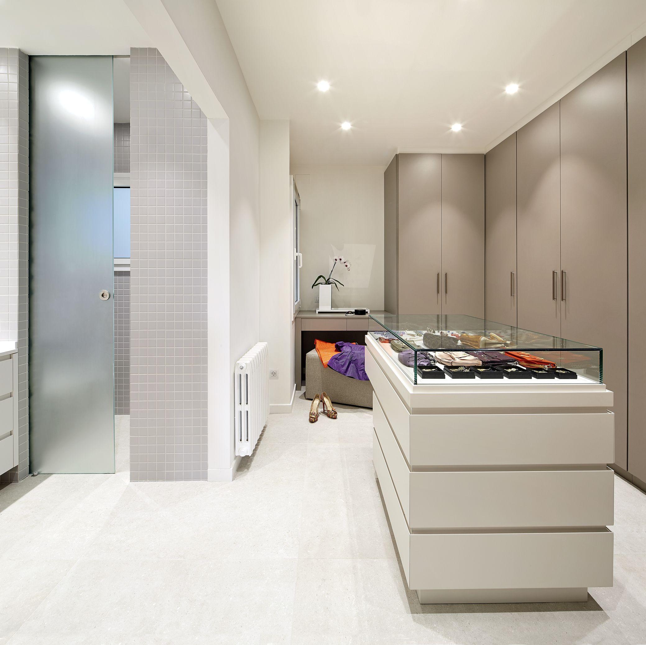 Molins Interiors Arquitectura Interior Interiorismo  # Budnik Muebles De Cocina