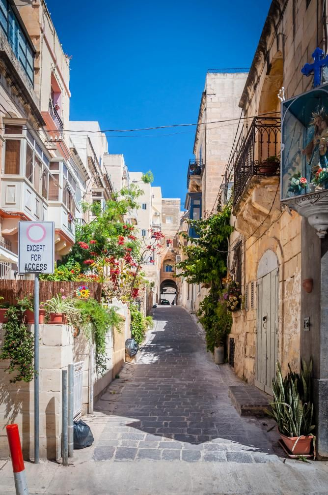 the top 10 things to see and do in sliema malta pinterest voyage malte et lieux visiter. Black Bedroom Furniture Sets. Home Design Ideas