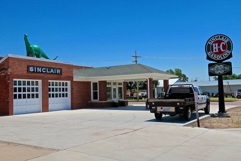 Vintage Sinclair Gas Station, Norton, KS Old gas