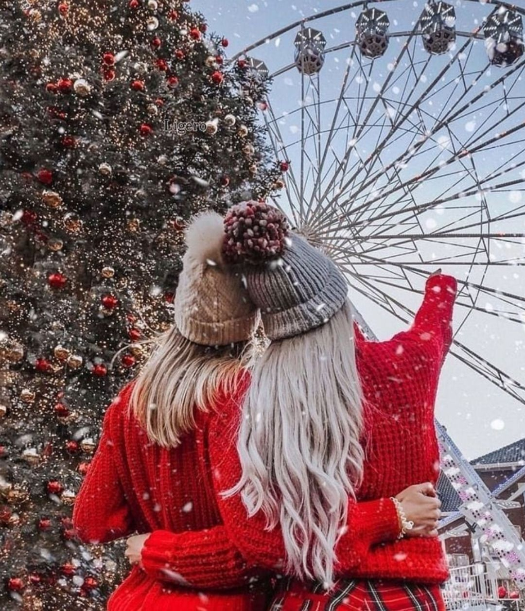 Beautiful Stylish Girl Whatsapp Dp Profile Images Wallpaper Pictures Christmas Pictures Friends Christmas Pictures Family Outdoor Christmas Pictures