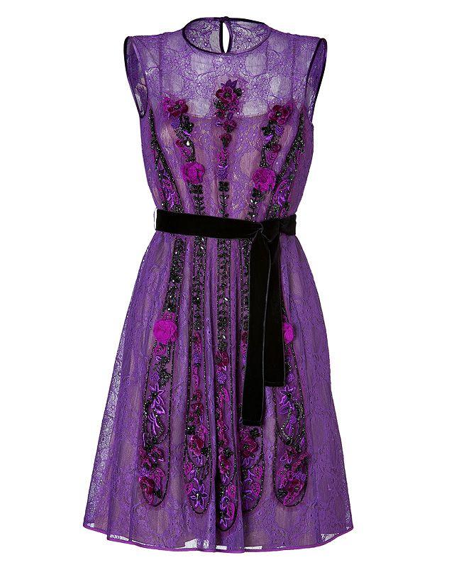 One pretty dress !