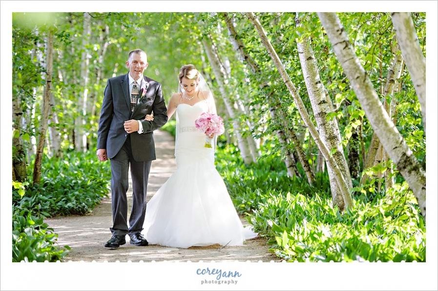Stan Hywet Wedding With Rachael And Ryan In Akron Ohio Wedding Wedding Aisle Wedding Images