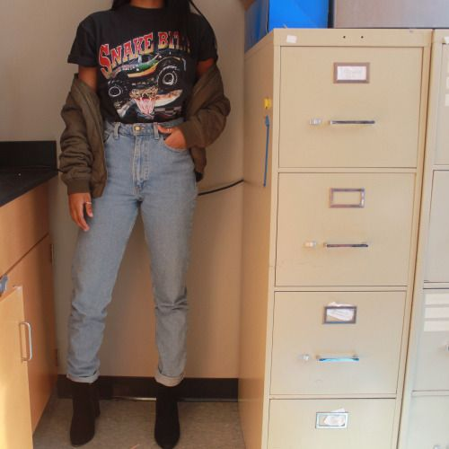 20 Style Tips On How To Wear '80s Inspired Fashion Without ...