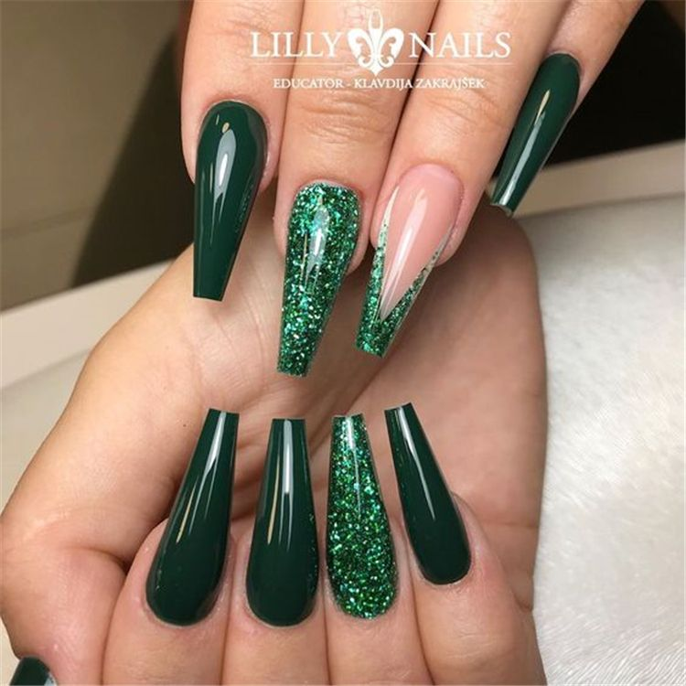 Elegant Emerald Christmas Green Nail Designs You Shoud Do For The Coming Valentine S Day Emerald Green Chr Green Acrylic Nails Green Nail Designs Green Nails