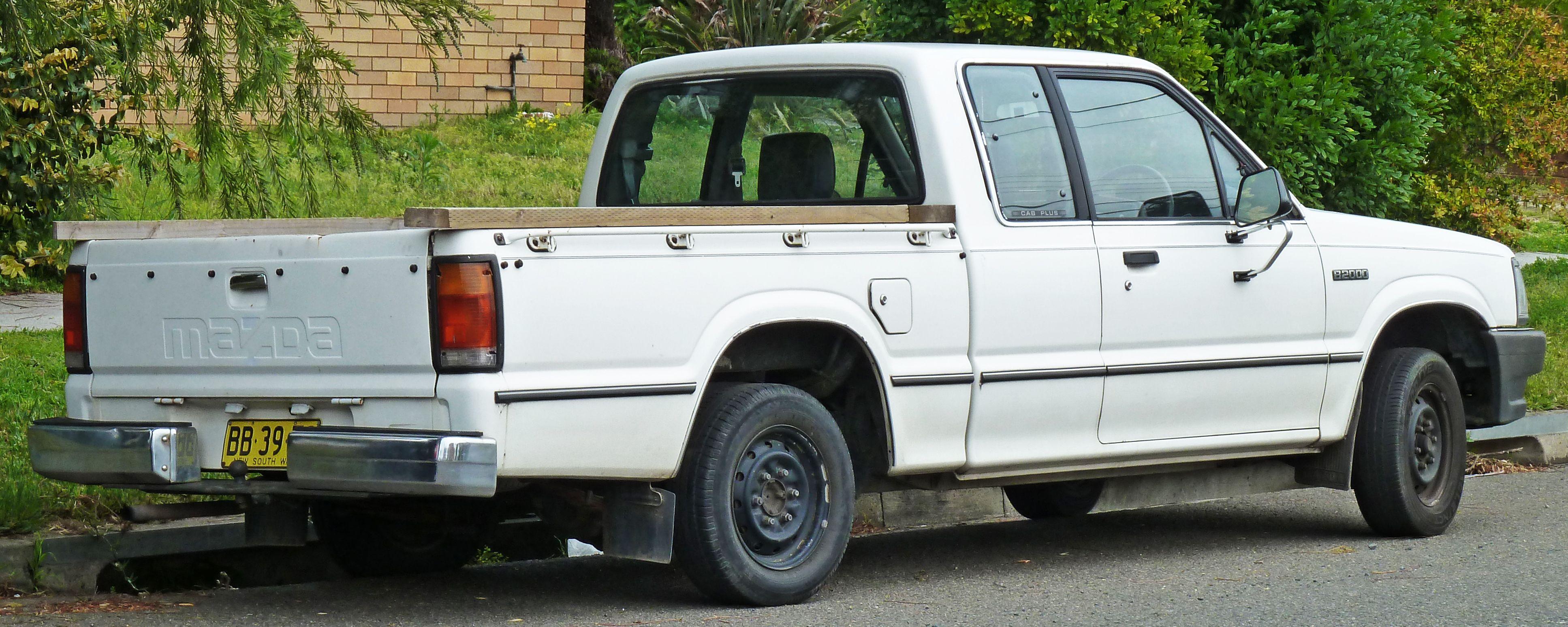 Mazda b 2200 dx cab plus