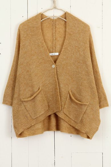 Over-sized cardigan. I love it and in this colour.... must have!